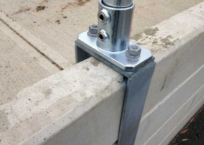 Retaining Wall Mount