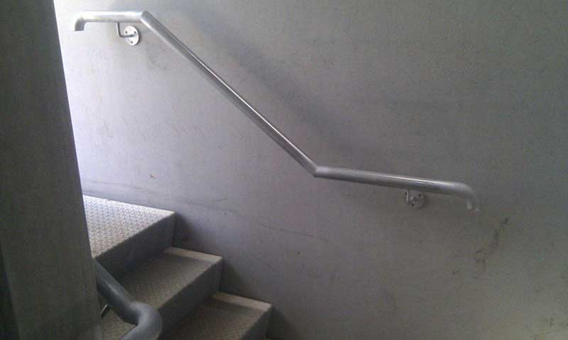 Wall-Mounted-Handrail-Glynde-021