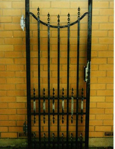 Wrought-Iron-Gate-Crafers1